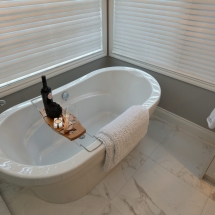 Kelowna, Okanagan Renovators | Accent Renovations | Residential Renovation Bathtub 2